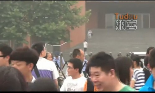 河北考生坦然讲述2013年高考作文 (420播放)